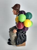 Royal Doulton Figurine 'The Balloon Man' - HN1954 (4 of 5)