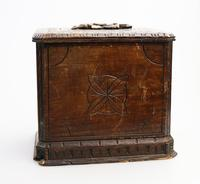 Black Forest Miniature Apprentice Piece Carved Chest 19th Century (8 of 11)