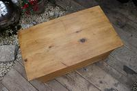 Restored Pine Blanket Box / Chest / Trunk / Coffee Table (4 of 8)