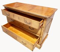 A  Lovely Quality Cherry Wood Chest of Drawers (7 of 7)