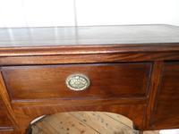 Neat 19th Century Kneehole Desk (5 of 11)