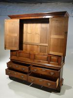 Outstanding Mid 18th Century Oak Livery or Housekeepers Cupboard (2 of 5)