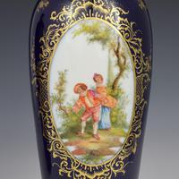 Pair of Large Dresden Porcelain Vases & Covers c.1880 (8 of 12)