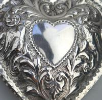 William Comyns - Good Solid Silver Novelty Heart Box c.1895 (6 of 11)