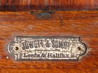 Beautifully Figured Late 19th Century Golden Oak Writing Box (8 of 8)