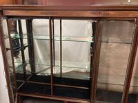 Shop Display Cabinet (2 of 21)