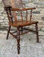 Pair of Antique Broad Arm Windsor Chairs (10 of 28)