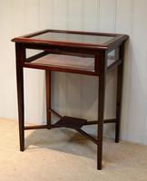 Mahogany Bijouterie / Display Table (4 of 9)