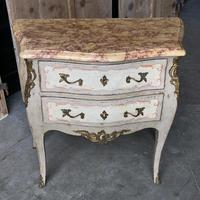 Pretty French Commode Chest (8 of 14)