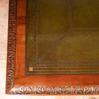 Superb Quality Mahogany Chippendale Design Writing Table (12 of 23)