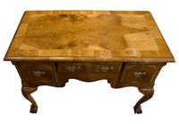 Late 18th Century Walnut Lowboy on Carved Cabriole Legs (5 of 9)