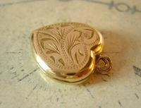 Vintage Pocket Watch Chain Photograph Fob 1940s 9ct Rolled Gold Puffy Heart Fob (9 of 10)