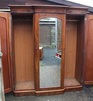 1900's Large Mahogany Mirrored 3 Door Wardrobe with Slides. (3 of 6)