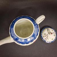 18th Century Liverpool Tea Pot (3 of 6)