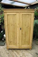 Fantastic Old Pine 2 Door Cupboard with Shelves - Linen/ Larder/ Storage / Food (7 of 10)