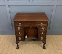 Chippendale Style Mahogany Knee-hole Desk