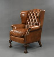 Fine Large Antique Deep Buttoned Leather Wing Chair (4 of 15)