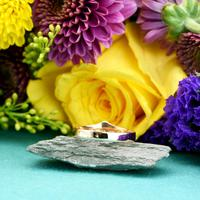 The Antique Art Deco Three Moonstone Gold Ring (3 of 4)