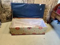 Superb Country House Ottoman (5 of 8)