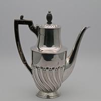English Silver Coffee Pot 1922 (2 of 4)
