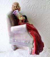 "Vintage Royal Doulton English Porcelain Figurine ~ ""Sweet and Twenty"" ~ HN 1298 (4 of 5)"