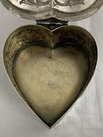Large Victorian HEART Antique Silver Trinket / Jewellery Box 1898 W COMYNS (11 of 12)