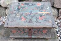 Scandinavian / Swedish 'Folk Art' Bridal / dowry chest, rosmålning heart & love bird decoration c.1780 (14 of 39)