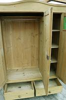 Beautiful Old Pine Triple Knock Down 'Arts & Crafts' Wardrobe  - We Deliver & Assemble! (7 of 18)