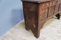 Mid 18th Century Oak Coffer (4 of 11)