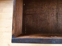 Beautiful English Queen Anne Walnut Chest of Drawers c.1710 (9 of 19)