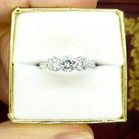 Vintage 18ct white gold transitional cut VS diamond trilogy ring 0.75ct (10 of 10)