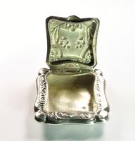 Hallmarked Continental Silver Powder Box 1915 (3 of 7)