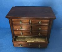 Victorian mahogany miniature chest of drawers (8 of 18)