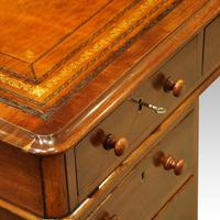 Victorian Mahogany Pedestal Desk (10 of 11)