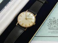 Gents boxed 9ct gold Marvin Revue wristwatch (4 of 5)