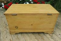 Fabulous & Restored Pine Blanket Box / Chest / Trunk / Coffee Table (7 of 9)