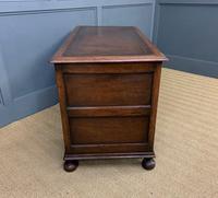 Good Carved Oak Pedestal Desk (12 of 18)