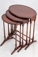 Victorian Nest of 3 Mahogany Tables Manner of Gillows (4 of 13)