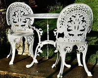 Nicely Weathered Painted Metal Bistro Set Table & 2 Chairs (3 of 5)