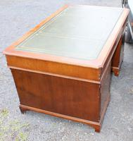 1960s Large Mahogany Partners Desk with Green Leather on Top (4 of 5)