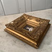 Antique Victorian portrait in oil of a young girl child in ornate gesso frame 2 of 2 (8 of 10)