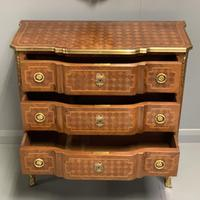 Small French kingwood parquetry chest of drawers (7 of 7)