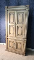 Pine Barrel Back Corner Cupboard in Original Paint (16 of 18)