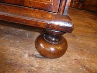 Early 18th English Walnut Chest of Drawers (5 of 8)