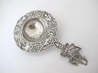 Dutch provincial silver tea strainer with sailing ship maker NL 1935 (2 of 8)