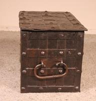 Nuremberg Chest or Pirate Chest 17th Century in Wrought Iron (7 of 12)