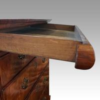 Queen Anne Walnut Drinks Cabinet on Stand (5 of 11)