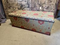 Superb Country House Ottoman (7 of 8)