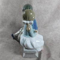 """Primer Amor"" or ""First Love"" Hand Modelled Porcelain Figure by Nao (4 of 9)"