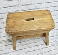 Slab Sided Country Pine Stool (4 of 5)